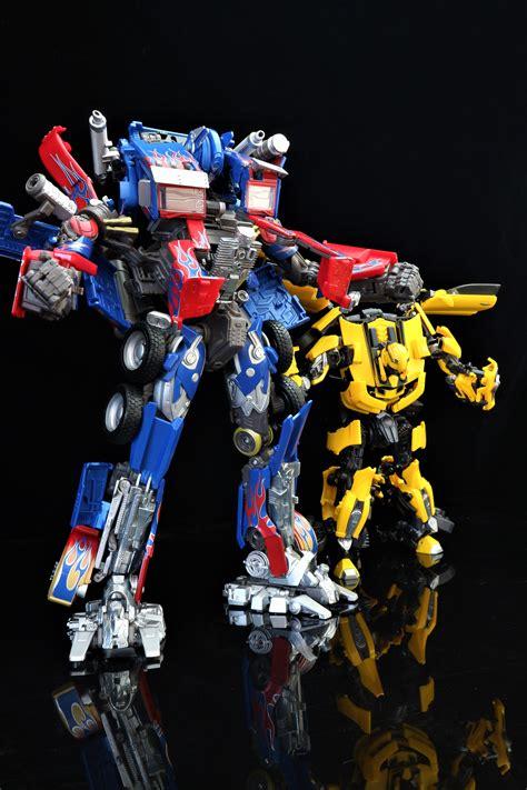 Kaos Transformer Optimus Prime 04 transformers masterpiece mpm 04 optimus prime and mpm 03 bumblebee transformers