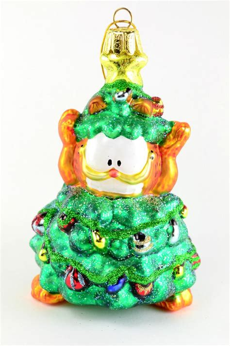 garfield the cat dressed as a christmas tree glass