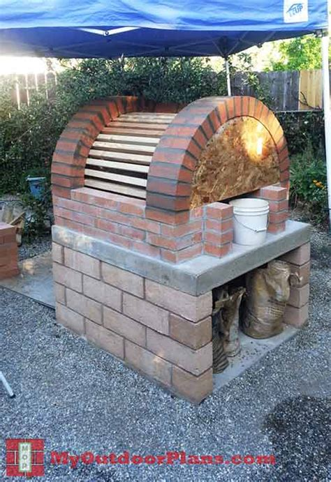 build a brick oven backyard how to build a brick outdoor oven iseeidoimake