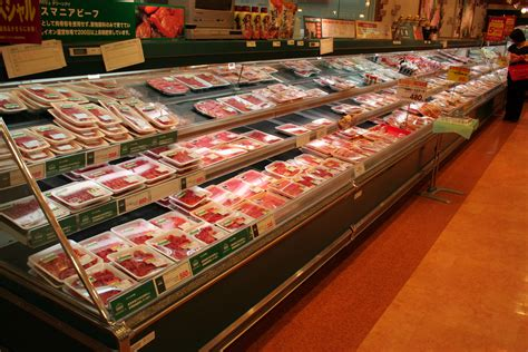 supermarket meat section file interior of supermarket in japan 02 jpg wikimedia