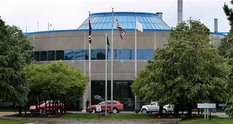 Chrysler Jefferson Assembly Plant by Chrysler S Jefferson Plant Idled After Fatal