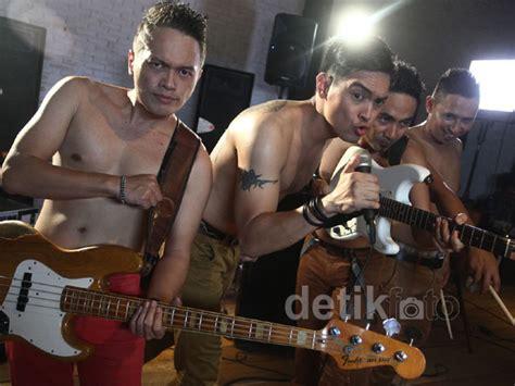 download mp3 ada band selamat malam minggu ada band menggarap video klip terbaru mereka yang berjudul