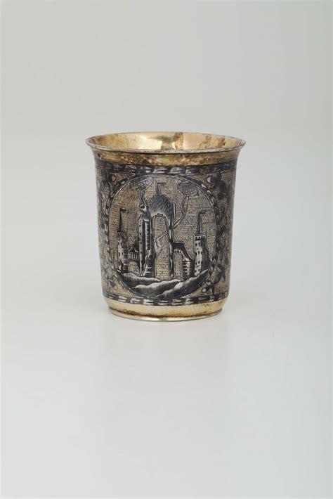 bicchieri argento bicchiere in argento sbalzato cesellato dorato e niello