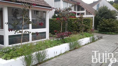 verhoogde tuin moderne tuin met vlonder tuinburo
