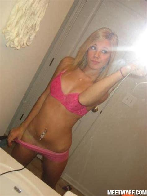 high school bathroom blowjob self shot teen blonde babe naked in the mirror pichunter
