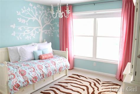 blank bedroom wall ideas 15 tree sided wall decor for the blank and boring walls in