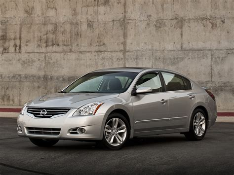 old nissan altima 2011 nissan altima price photos reviews features