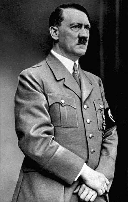 Adolf Hitler is Back: Best-Selling German Novel Returns