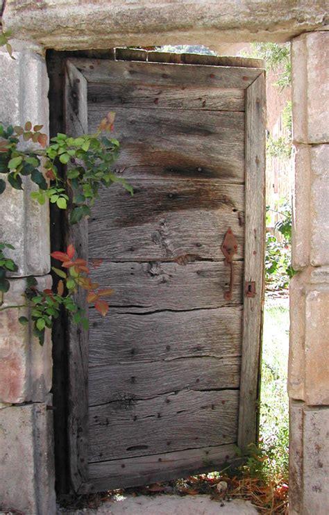 porte jardin en bois portillon de jardin portes d entree portes rustiques portes antiques