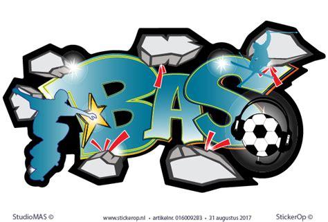 stoere muursticker graffiti met naam bas full colour