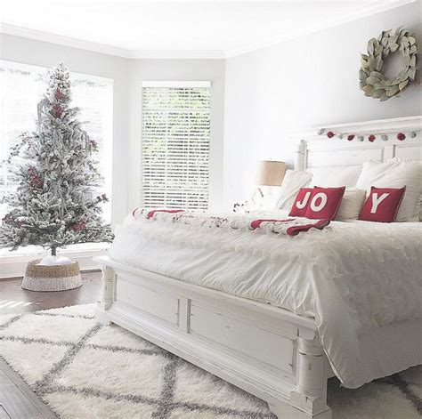 25 best ideas about christmas bedroom on pinterest christmas bedding christmas bedroom