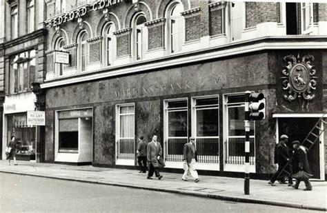 barclays bank soho square 11 61 80 tottenham court road