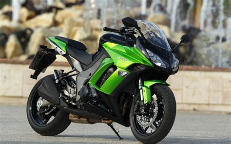 R15 New Model Full Hd Images The Galleries Of Hd Wallpaper