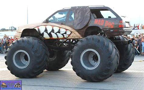 monster jam dog truck mad dog europe monster trucks wiki fandom powered by