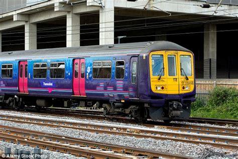 thameslink trains today thameslink trains today st albans wimbledon commuters