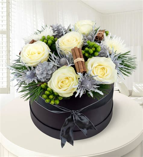 christmas hat floral hat box 187 hat boxes 163 79 99 free chocolates prestige flowers