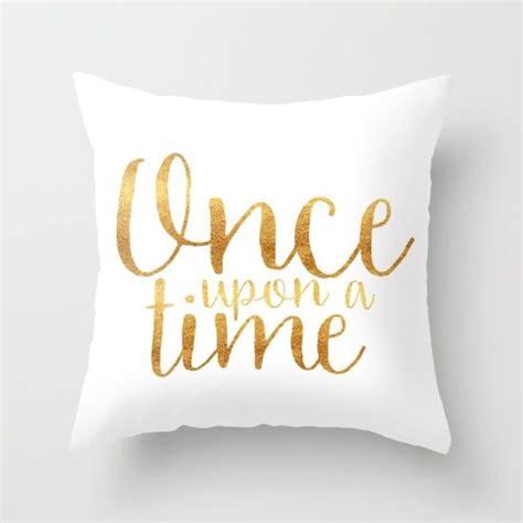 bedroom throw pillows best 25 gold throw pillows ideas on gold throw gold room decor and throw pillows
