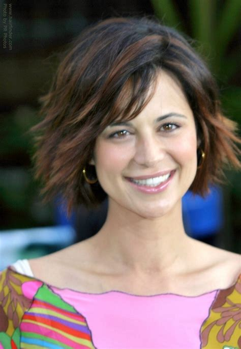 Catherine Bell Hairstyles by Catherine Bell S Layered Bob That Reaches To The