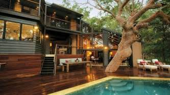 Cool Houses With Pools Cool House With Pool Tree Houses To Live In Pinterest