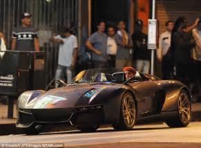 chris brown new car chris brown shows his rezvani beast sports car as he