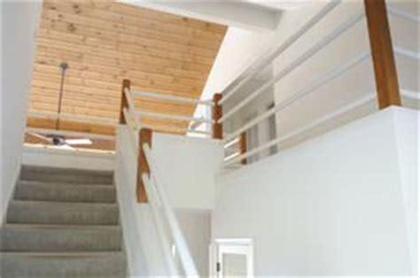rivestimento soffitto in legno rivestire soffitti con perline in legno