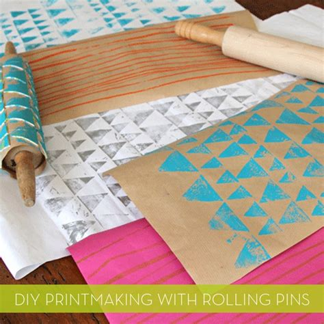 Make Wrapping Paper - how to make your own diy printed wrapping paper with