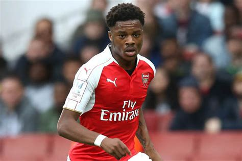 arsenal today arsenal transfer news chuba akpom set to seal switch