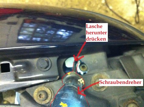 Audi A4 B5 Hecksto Stange Demontieren by Audi A4 Blinker Ausbauen