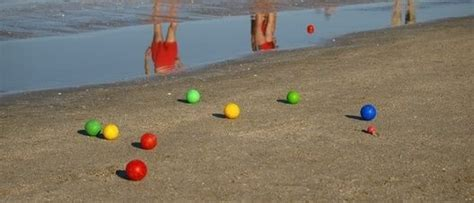 backyard bocce ball rules how to play bocce in the backyard