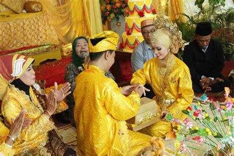 Cokelat Sovenir Nikah Adat Melayu muhammad hidayat tradisi perkawinan adat melayu kepulauan riau