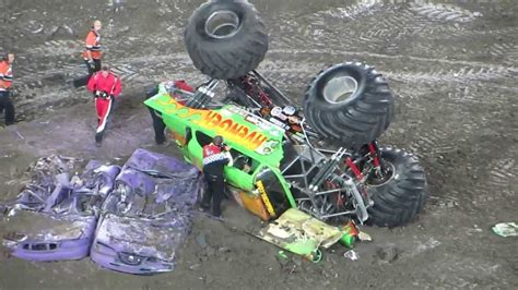 monster truck crash videos monster jam 2014 avenger monster truck crash rollover