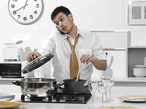 hombre cocinando chicos 161 a la cocina sin miedo