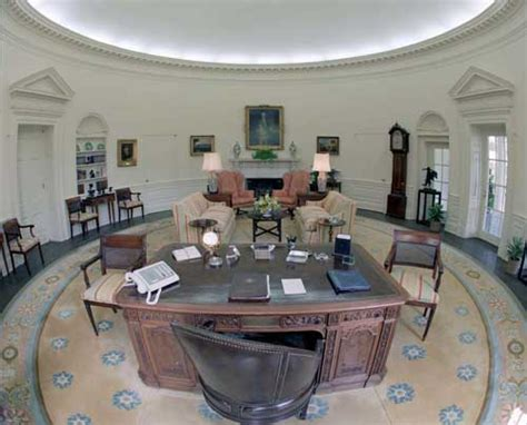 Why Is The Oval Office Oval by Washington Didn T Sleep Here A White House Faq Mental Floss