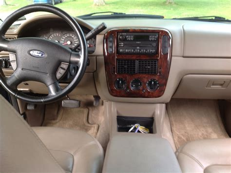 2004 Ford Explorer Interior by Picture Of 2004 Ford Explorer Xlt V6 Awd Interior