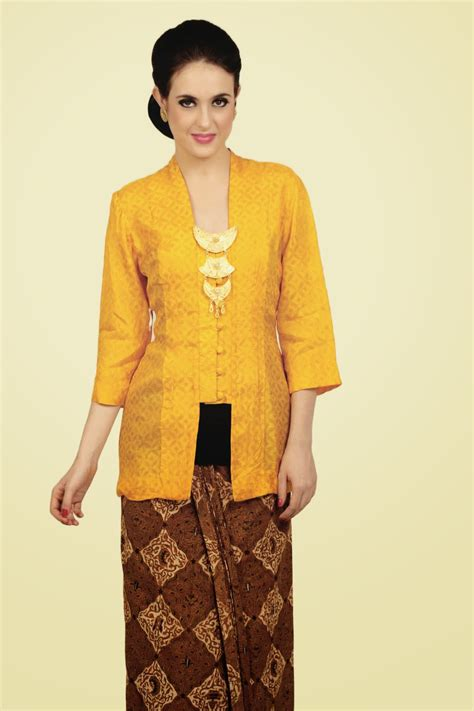 Kartini Blouse 2 model kebaya modern simple dari bahan katun gebeet