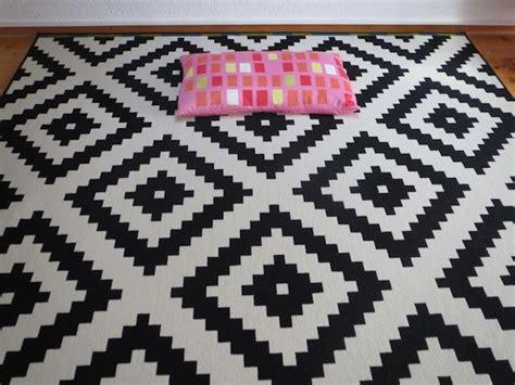 Schwarz Weisser Teppich by Die Besten 25 Ikea Teppich Schwarz Wei 223 Ideen Auf