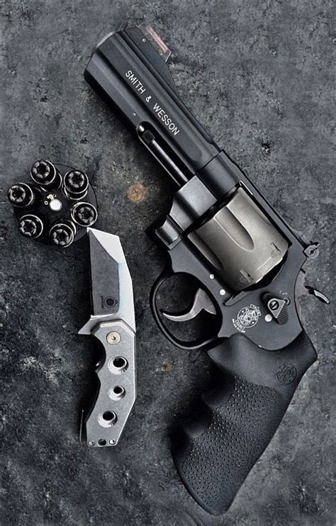 best revolver 25 best ideas about revolvers on weapons guns