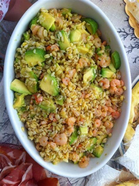 riso come cucinarlo insalata di cereali con avocado e gamberetti cookthelook