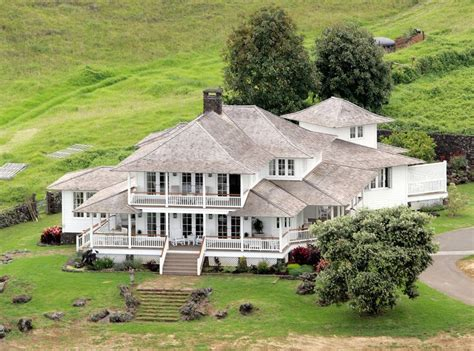 oprah winfrey house oprah winfrey s many multimillion dollar homes from chicago to maui and everywhere in