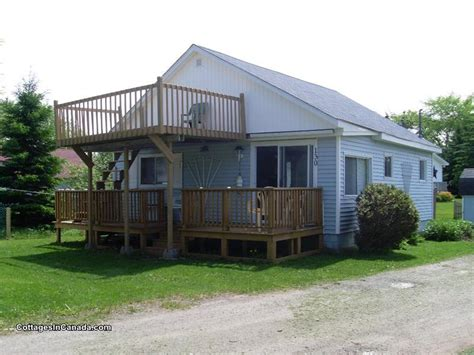 lazy dayzy in caissie cape grande digue cottage rental