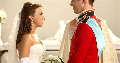 Lacey Chabert Wears Her Wedding Dress for Hallmark Movie
