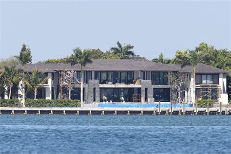 celebrity homes enrique iglesias miami house haammss biscayne mansion owned by anna kournikova and enrique