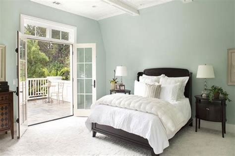 tinteggiare da letto colori colore pareti da letto lilla guida ai colori che