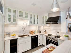 Black Appliances Kitchen Ideas by White Kitchen Cabinets With Black Appliances Decor