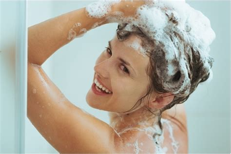 Sho Mengatasi Rambut Kusam Lepek Berminyak Berketombe tips memilih shoo sesuai jenis rambut khasiat dan manfaat