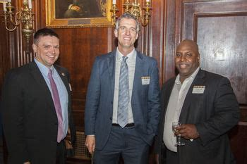 Notre Dame Jd Mba by More Than 170 Notre Dame Lawyers Gather In New York