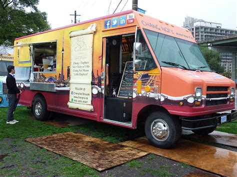 liberty mutual commercial actress food truck liberty mutual clip a food truck food truck frenzy the
