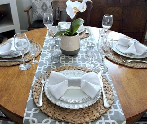 Dining Table Napkin Folding How To Do The Bow Tie Napkin Fold The Creek Line House