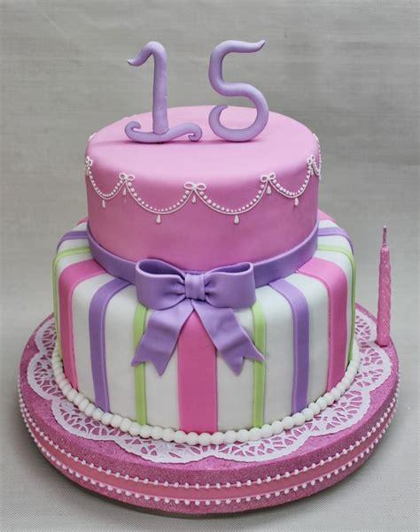 como decorar tortas para quinceañeras las 25 mejores ideas sobre tortas de quincea 241 eras en