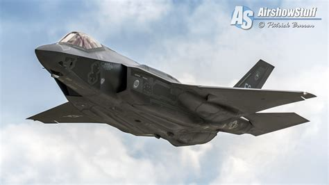 f 35 lightning iis to appear at two uk airshows in 2016